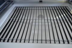 Лазерно-гравировальный станок с ЧПУ LM 1610 PRO