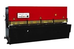 Гидравлические гильотинные ножницы IronMac серии SB